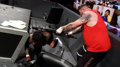 Injury Updates On Otis And Jey Uso Following 11/27 WWE SmackDown