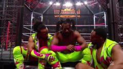WWE Elimination Chamber Fight Size: Kofi Kingston Gets Standing Ovation, Mark Henry Appears, Sasha Banks/Bayley, More