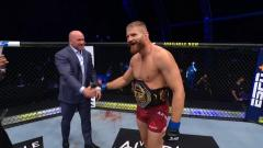 Jan Blachowicz Gets A Hero's Welcome In Poland