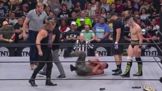 Jon Moxley Stabbed In Eye, Chelsea Green Pulled From Battle Royal | Post-NXT/AEW Fight-Size Update