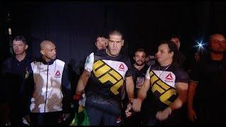 Daniel Cormier Wants Bigfoot Silva To Try Pro Wrestling