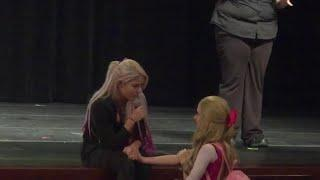 Alexa Bliss Has An Emotional Moment With A Young Lady Who Is Battling An Eating Disorder